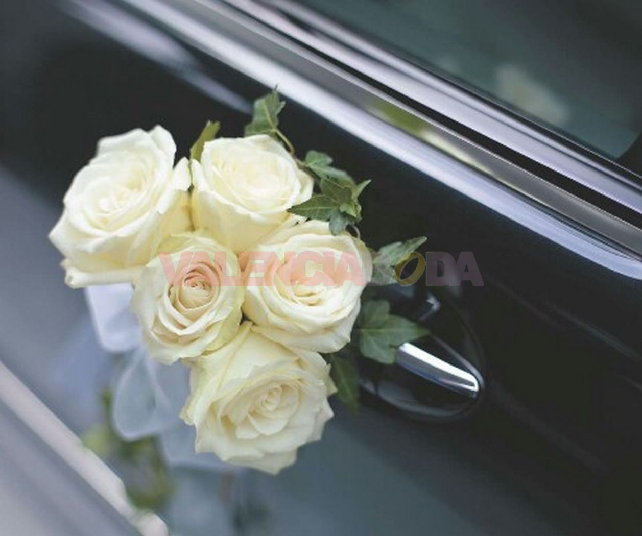 decoración de flores para coches de boda
